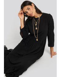 NA-KD Ruffle Hem Round Neck Midi Dress - Zwart