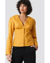 NA-KD Trend V-neck Buttoned Front Ls Top - Geel