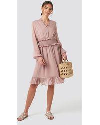 NA-KD Ruffle Details Flowy Mini Dress - Roze