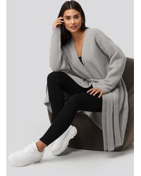 NA-KD Dilara x Knitted Pocket Cardigan - Grau