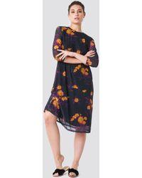 NA-KD - Mesh Knee Dress Orange/purple Print - Lyst