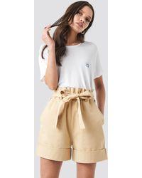 NA-KD High Waist Chino Shorts - Naturel