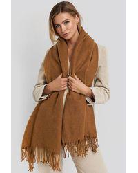 NA-KD Light Wool Blend Scarf - Bruin