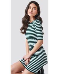 NA-KD Striped Fitted T-shirt Dress - Vert