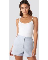 NA-KD High Waist Shorts - Blauw