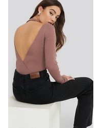 NA-KD Open Back Overlap Knitted Sweater - Roze