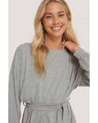 NA-KD Belted Long Sleeve Top - Grijs