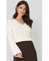 NA-KD Cropped V-neck Knitted Sweater - Wit