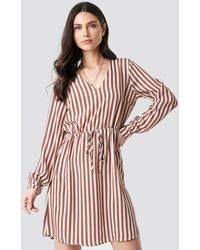 NA-KD Drawstring Waist Striped Dress - Roze