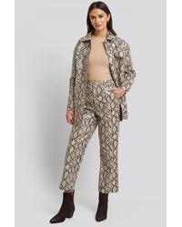 NA-KD Snake Printed Cropped Pants - Meerkleurig