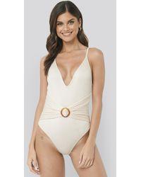 NA-KD Swimwear Ribbed Buckle Swimsuit - Weiß