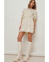 NA-KD Boho Jacquard Gebloemde Mini-jurk Met Gestrikte Achterkant - Naturel