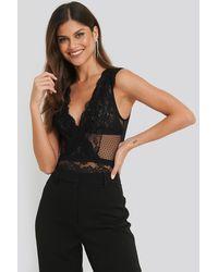NA-KD Dotted Mesh Lace Bodysuit - Zwart