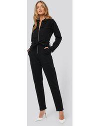 NA-KD Denim Belted Jumpsuit - Zwart