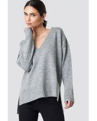 NA-KD Deep V-neck Oversized Sweater - Grau