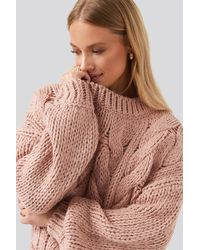 NA-KD Wool Blend Round Neck Heavy Knitted Cable Sweater - Roze