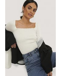 NA-KD Long Sleeve Smocked Top - Wit