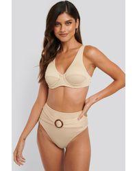 NA-KD Ribbed High Waist Buckle Bikini Panty - Neutre