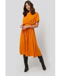 NA-KD Marked Waist Dress - Oranje