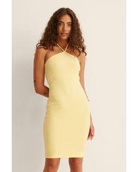 NA-KD Geribbeld Halternek-mini-jurk - Geel