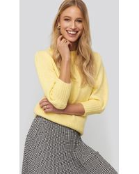 NA-KD Short Puff Sleeve Knitted Sweater - Geel