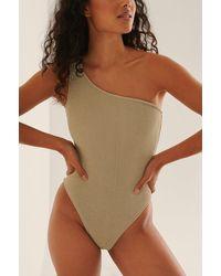 NA-KD Swimwear One-shoulder Gesmokt Badpak - Naturel
