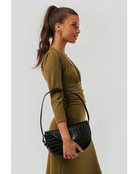 NA-KD Half Moon Saddle Flap Shoulder Bag - Noir