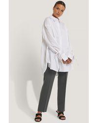 NA-KD Reborn Recycelt Shirt Mit Gebundenen Ärmeln - Weiß