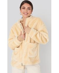 NA-KD Short Front Pocket Faux Fur Jacket - Wit