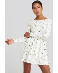 NA-KD Round Neck Floral Print Skater Dress - Blanc