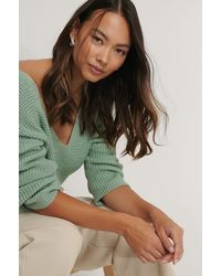 NA-KD Green V-neck Cropped Knitted Sweater