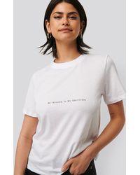 NA-KD Tee-Shirt Imprimé - Blanc