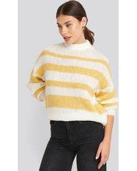 NA-KD Trend Striped Round Neck Oversized Knitted Sweater - Geel