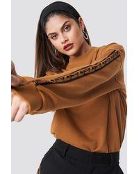 NA-KD N Branded Stripe Sweatshirt - Bruin