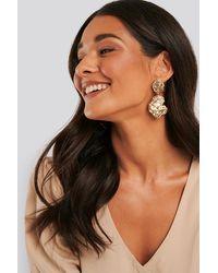 NA-KD Rough Surface Drop Earrings - Metallic