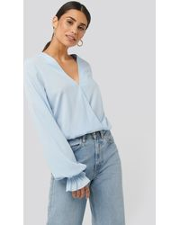 NA-KD Wrap Over Blouse - Blauw