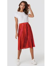 NA-KD Tie Dye Print Pleated Midi Skirt - Rood