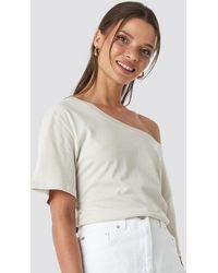 NA-KD - Einseitig Schulterfreies T-Shirt-Kleid Mit Gürtel - Lyst