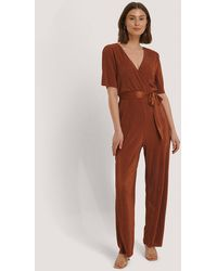 NA-KD Pleated Tie Jumpsuit - Meerkleurig