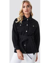 NA-KD Belted Denim Jacket - Zwart
