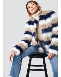 NA-KD Linn Ahlborg x Striped Faux Fur Jacket - Blau