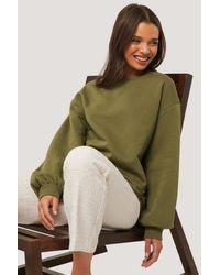 NA-KD Cropped Sweatshirt - Grün