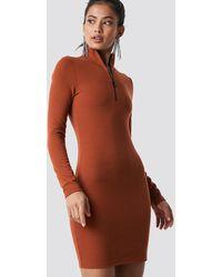 NA-KD High Neck Zip Dress - Oranje