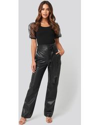 NA-KD Faux Leather Belted Straight Leg Pants - Noir