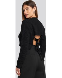 NA-KD Cropped Cable Open Back Sweater - Schwarz