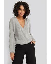 NA-KD V-neck Overlap Knitted Sweater - Grijs