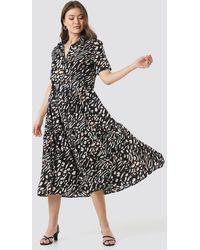 NA-KD Collar Printed Midi Dress - Zwart