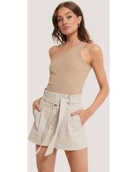 NA-KD Trend Pu-Shorts Mit Gürtel - Mehrfarbig