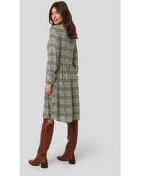 NA-KD Frill Neck Checked Dress - Groen
