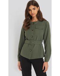 NA-KD Buckle Belted Jacket - Groen